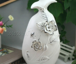 white decorative vases