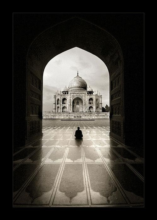 Piccsy :: Image Bookmarking :: Black and White Taj Mahal Photography by Thamer Al-Tassan