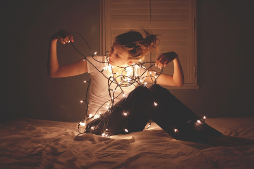 Christmas-cute-girl-light-pretty-favim.com-131088_large