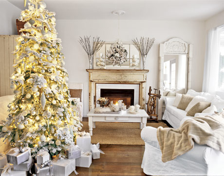Christmas-tree-white-room-htours1206-de_large