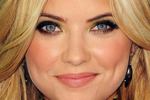 Ashley-benson-maquiagem-makeup-03_large
