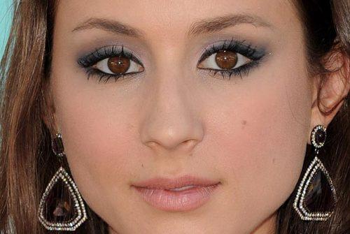 Troian-bellisario-maquiagem-makeup-03_large