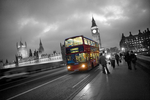 London-bus-black-and-white-photography-with-color-09_2_large