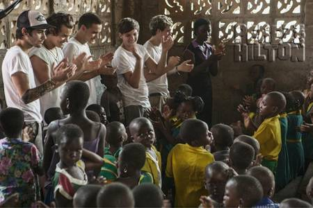 One-direction-in-ghana-red-nose-day-harry-styles-tweet__opt_large
