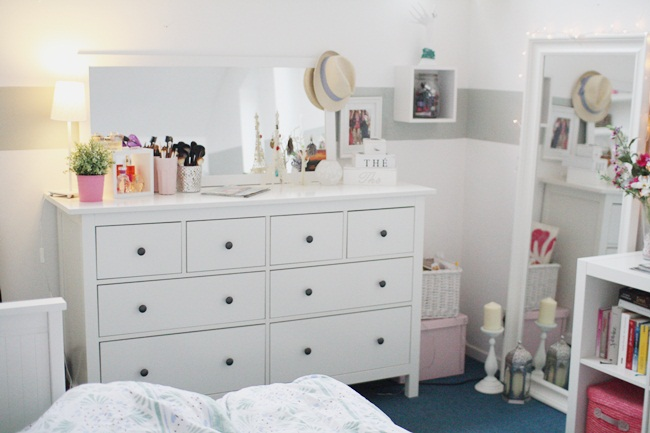 Cute sweet girly We Heart It room, bedroom, and white