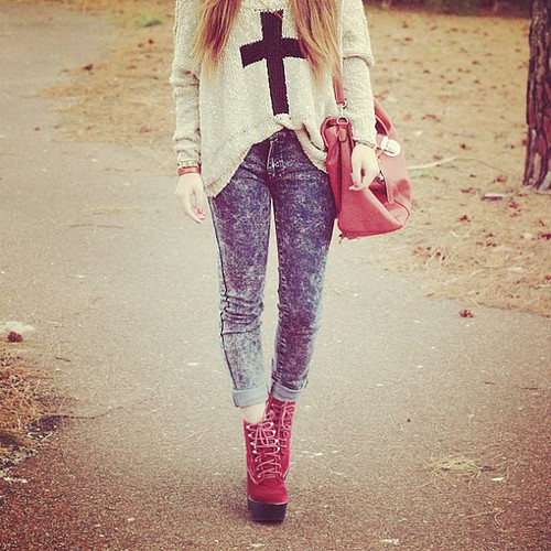 .@willamazing | Cross knit jumper, acid washed jeans and velvet @jcshoes! | Webstagram - the best Instagram viewer