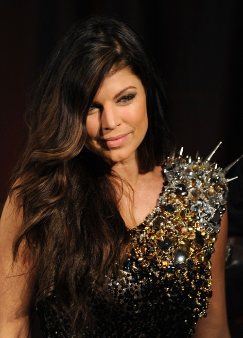 Fergie_grammy_nominations_concert_5-739x1024_large