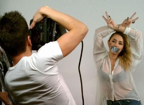 Miley-cyrus-fotografo-adam-bouska_acrima20111129_0071_15_large