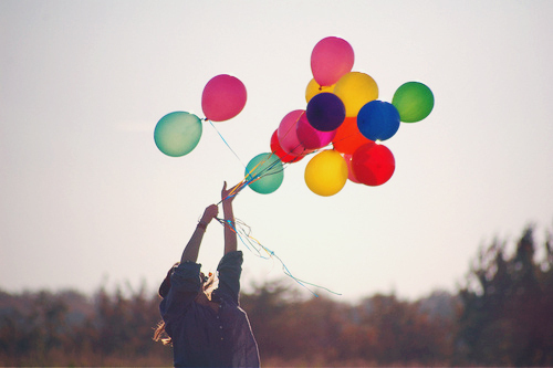 Girl-ballon-ballons-colours-freedom-favim.com-630591_large