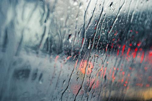 Rainy_city_by_ibenathan-d4xnf4z_large