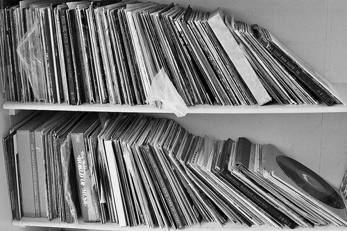 Bampw-black-and-white-books-bookshelf-favim.com-640796_large