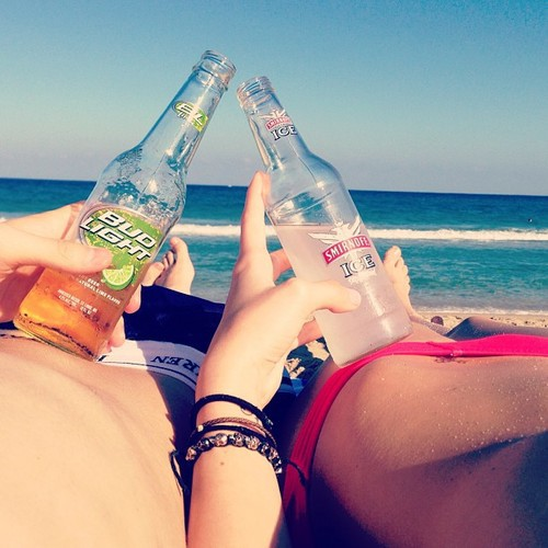 Beach picture, cocktails