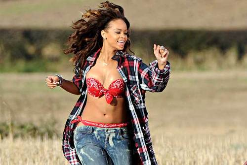Rihanna-we-found-love-video_large
