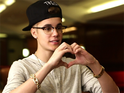 44143148_1969668237001_justin-bieber-show-your-hearts-480x360_large