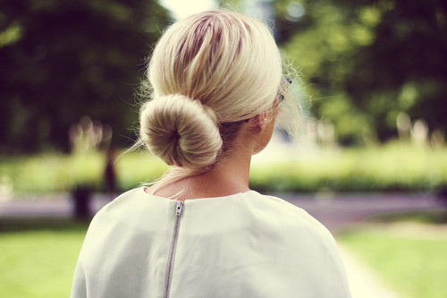 Blonde-bun-fashion-hair-favim.com-660882_large