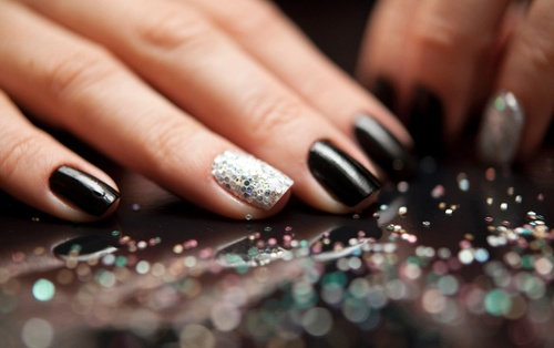 Unhas-decoradas-para-o-carnaval-1360266736052_956x600_large