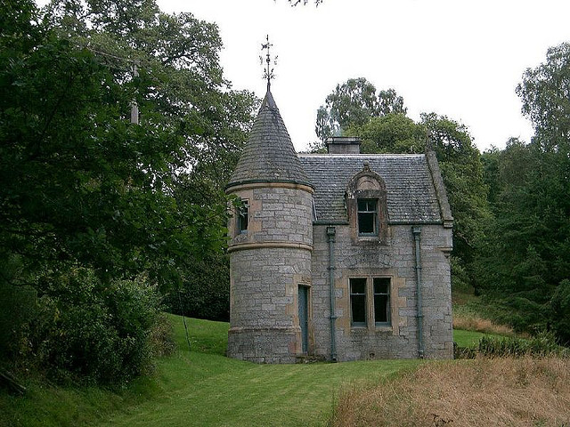 Scotland very small castle flickr photo sharing we for Tiny castle house plans