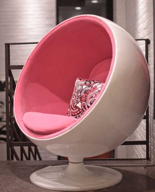 Ball_chair_white_pink_543_large