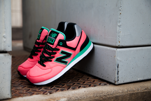 New-balance-womens-wl574wbg-feature-sneaker-boutique-2_large