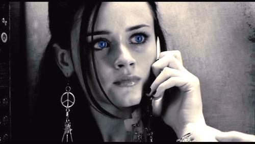 http://data.whicdn.com/images/57567473/Alexis-in-Sin-City-alexis-bledel-5322788-852-480_large.jpg