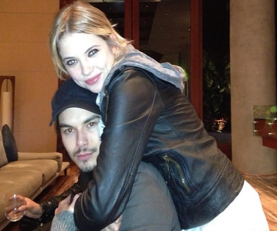 are ashley and tyler dating 2016 Happy birthday, ashley benson the 'pretty little liars' star turns 25 today, and co-star and former flame tyler blackburn shared a hot pic of the pair nearly kissing and a sweet message to ash.