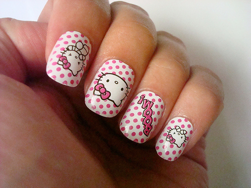 tumblr llj5e4lRxk1qzl8wpo1 500 large large hello kitty nails