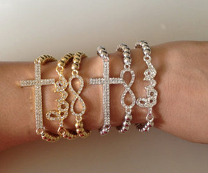 $7.99 Favor21.com hot sales - The diamond word Love Cross Bracelet (a set 3pcs)