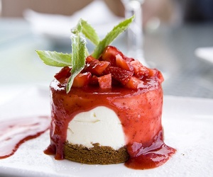 #food #desserts #yummy #noms #strawberry #sweets ... | FOOD YUMMIES