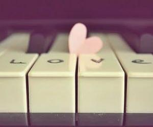Piano love (: | via Facebook
