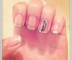 nails feather