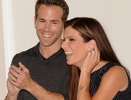 Ryan Reynold  Sandra Bullock on Sandra Bullock And Ryan Reynolds Dating On We Heart It   Visual