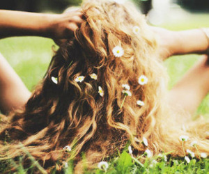 flowers in hair | Tumblr | via Tumblr