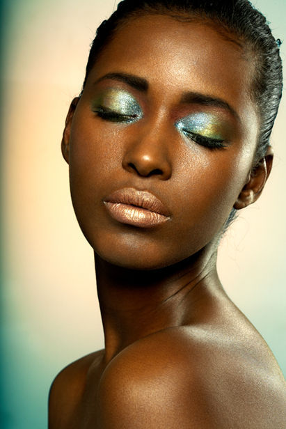 Beauty-metallic-eyeshadow_large
