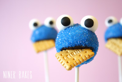 Cake pops is so sweet I♥ it.  We Heart It  cake pops, cookie monster, and food