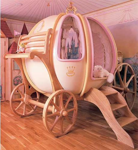 Fantasy Coach – the Cinderella Pumpkin Carriage Bed | 2dayBlog ...