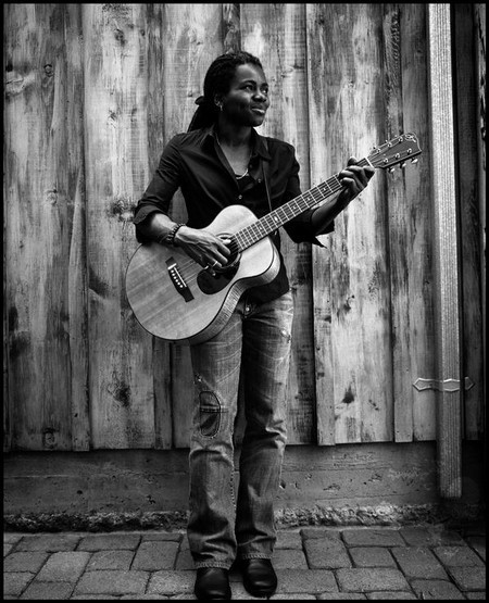 Tracy Chapman album cover picture - MusicRemedy.com