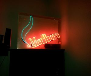 marlboro red blue light