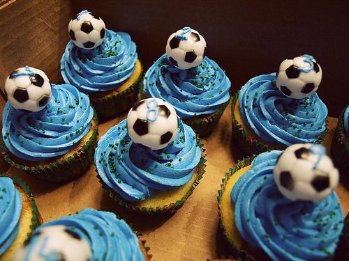 Buns,confectionery,cupcakes,football,soccer-c7c97fd2fce8c0639ead11249e001d50_h_large