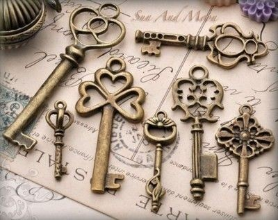 Keys,collection,vintage-ba9a8fc3452c55e72b1c7fa982fdc6e2_h_large