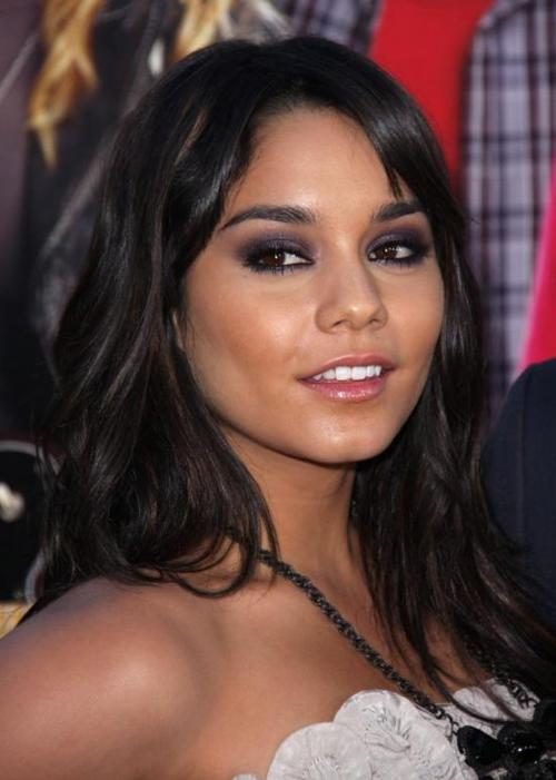 Cute-vanessa-hudgens-pic_552x774_large