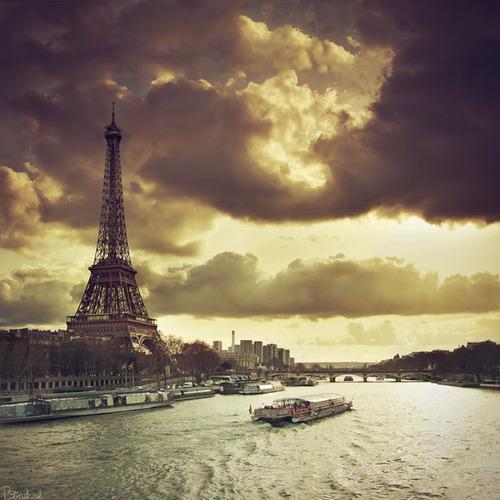 Eiffel_tower_by_bucz-d3b140f_large