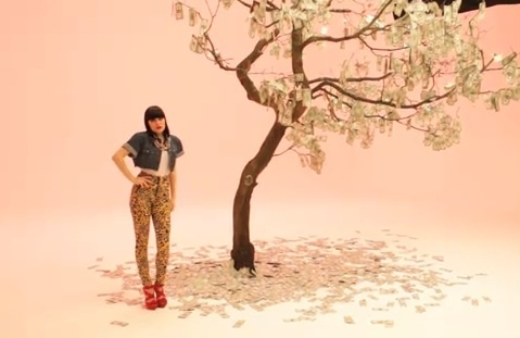 Jessie-j-price-tag-video_large