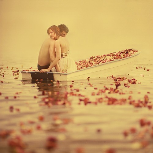 Love,couples,boat,couple,hug,river-2c9810ee8b2b4dfb0b0b15b8626dbed0_h_large