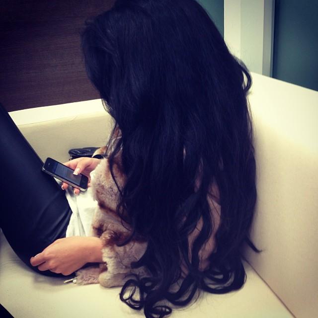 Фото с черными волосами без лица на аву