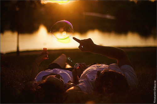 Couple,lovers,bubbles,coupling,sunlight,love-69b1ced10b37b820b84166302162a53b_h_large_large
