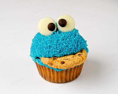 Cookie-monster_cupcakes_large