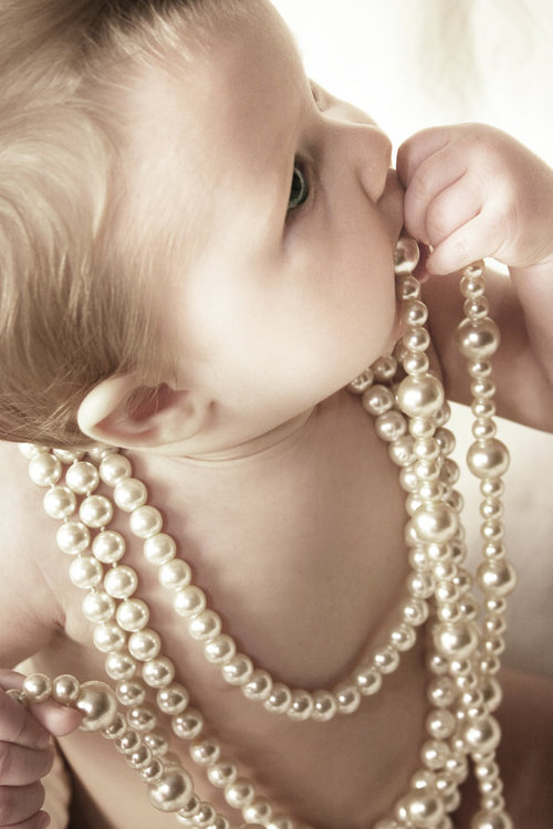 Baby_and_pearls_by_juliephotography_large