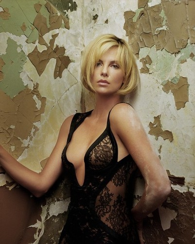 Charlize Theron picture on VisualizeUs