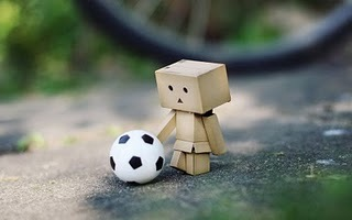 Danbo___football___wallpaper__by_gloeckchen_large