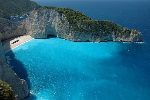 Nicest-beach-in-the-wrold-shipwreck-beach-smugglers-cove-navagia-beach-zakynthos-greece_large